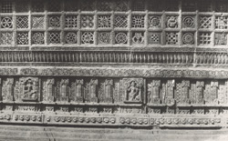 Sculpture on a wall of Samprati Raja's Temple, Girnar [Junagadh]